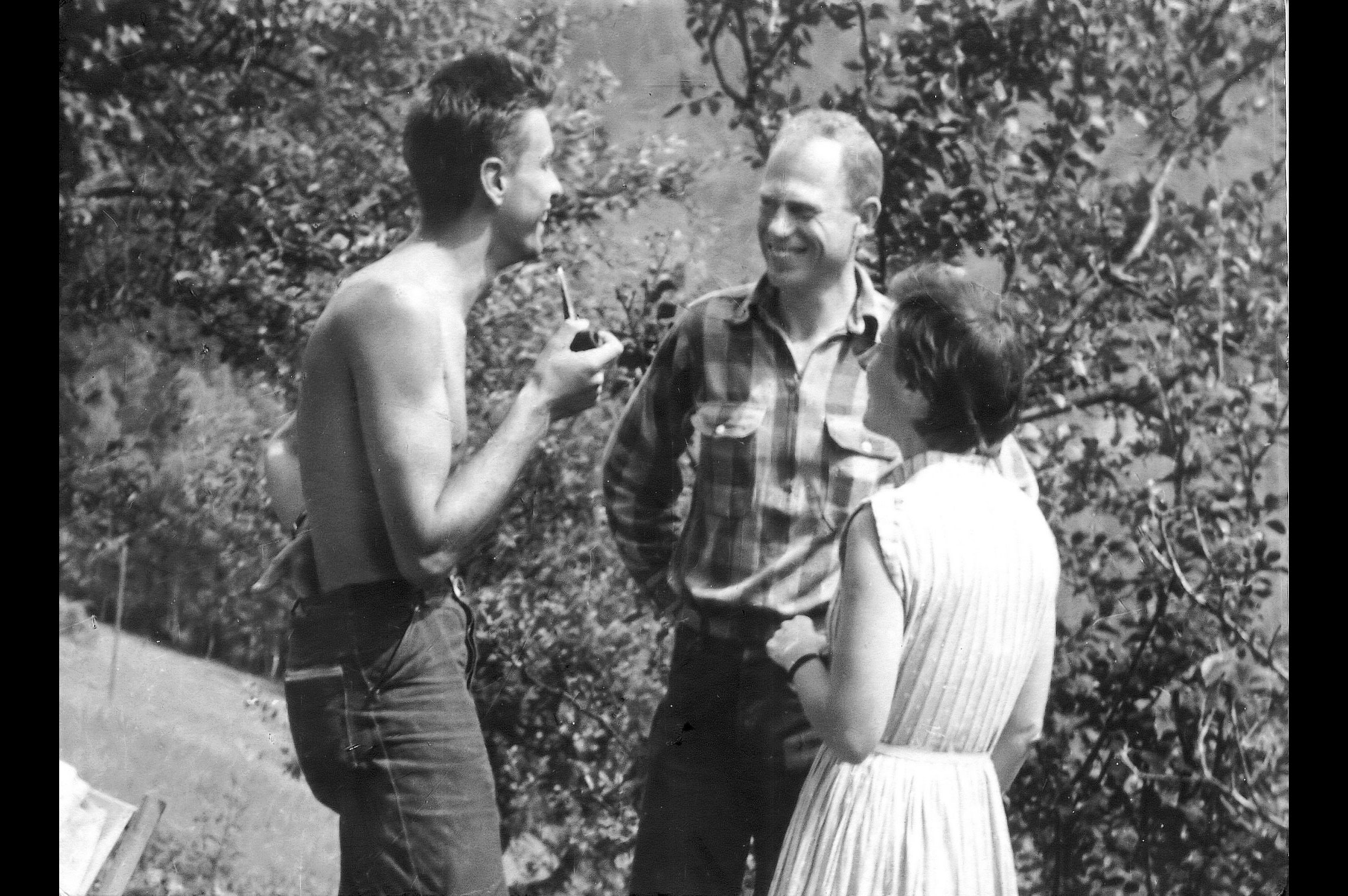 Pierre Gilles de Gennes with Cécile and Bryce DeWitt, summer 1953